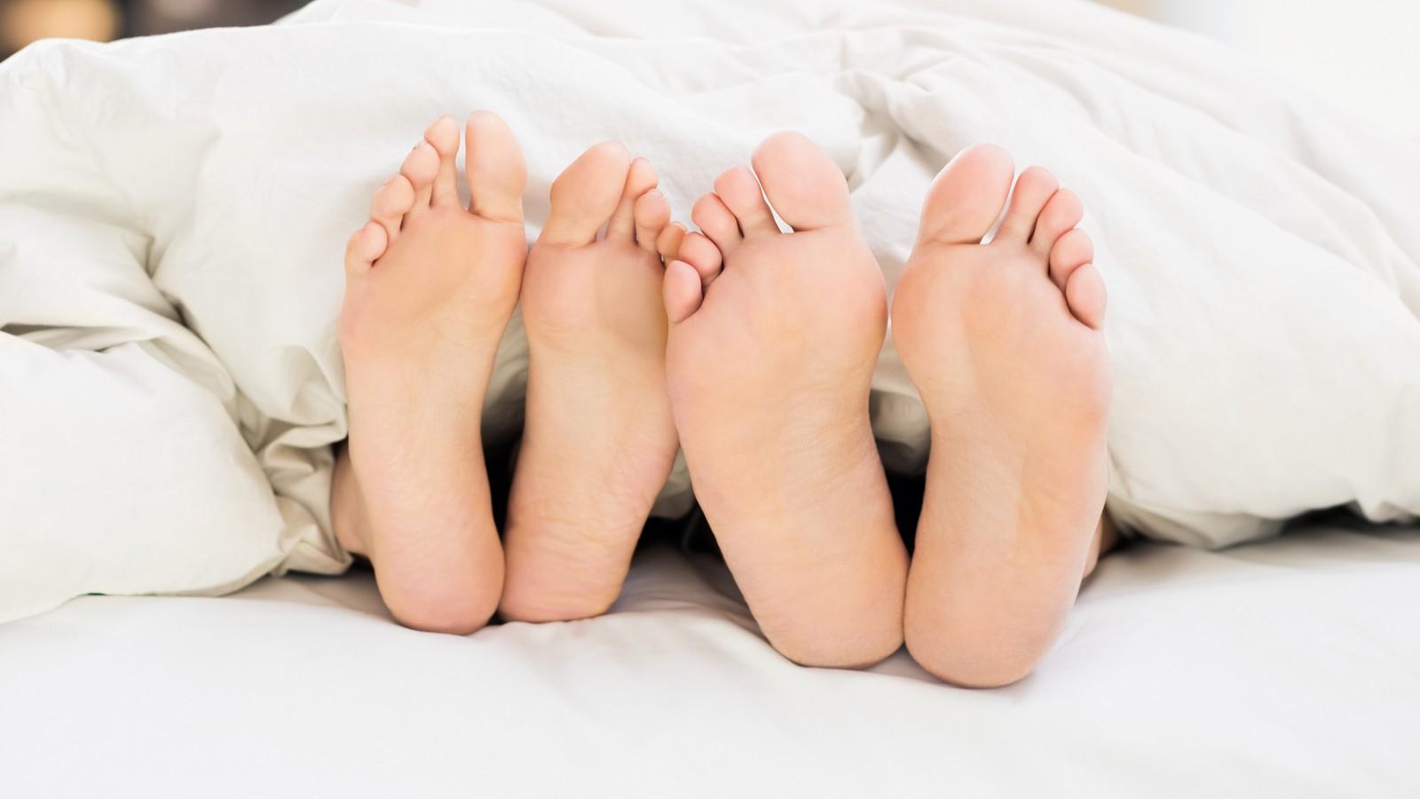 Füße lecken jungen Füße lecken