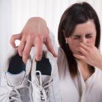 Sneaker stinken: So bekommst du den Geruch wieder los