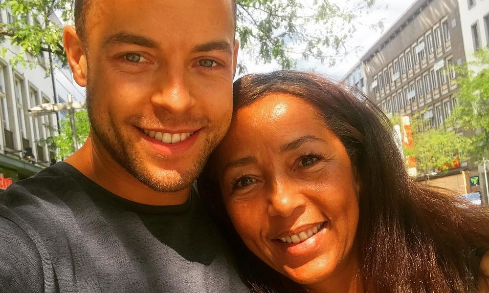 Andrej Mangold und seine Mama