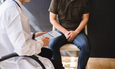 Ein Teenager beim Arzt