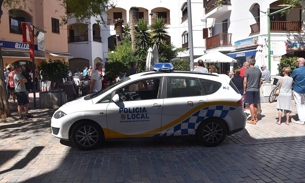 Polizei beim Faneteria-Opening