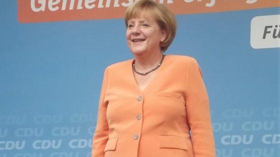 STARS 64 Angela Merkel BILD Facebook