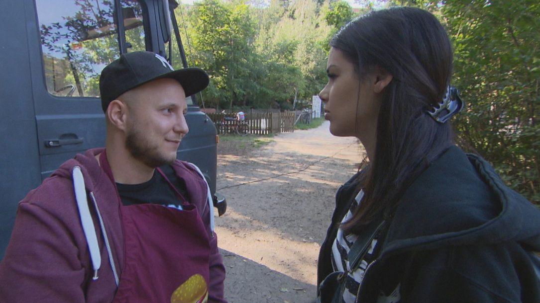 Berlin – Tag & Nacht: Zoe setzt Krätze unter Druck!