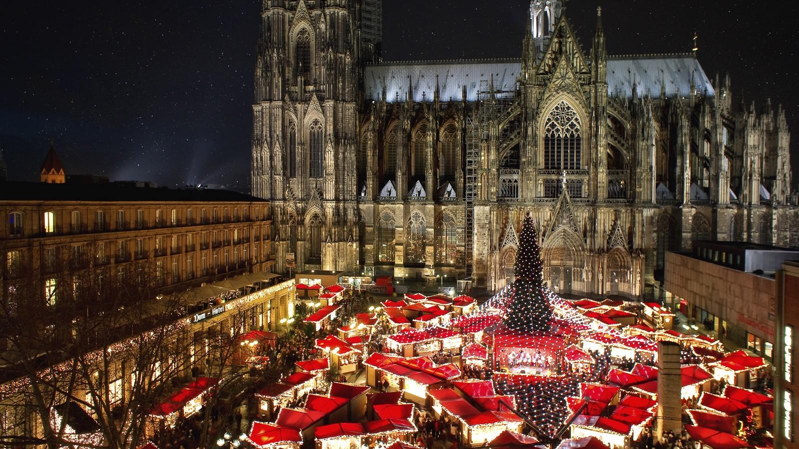 Weihnachtsmarkt in Köln am Dom