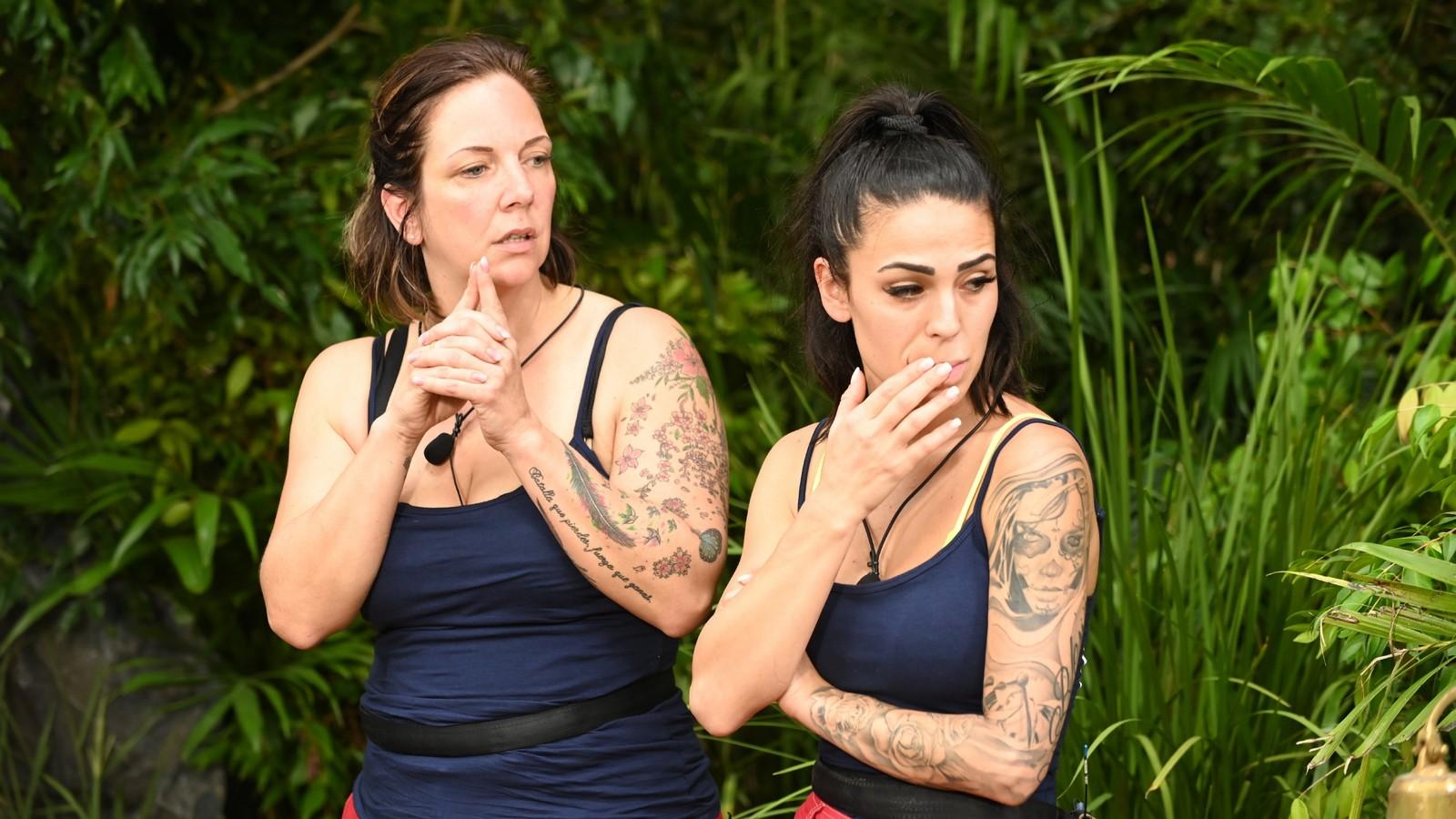 Daniela Büchner und Elena Miras im Dschungelcamp