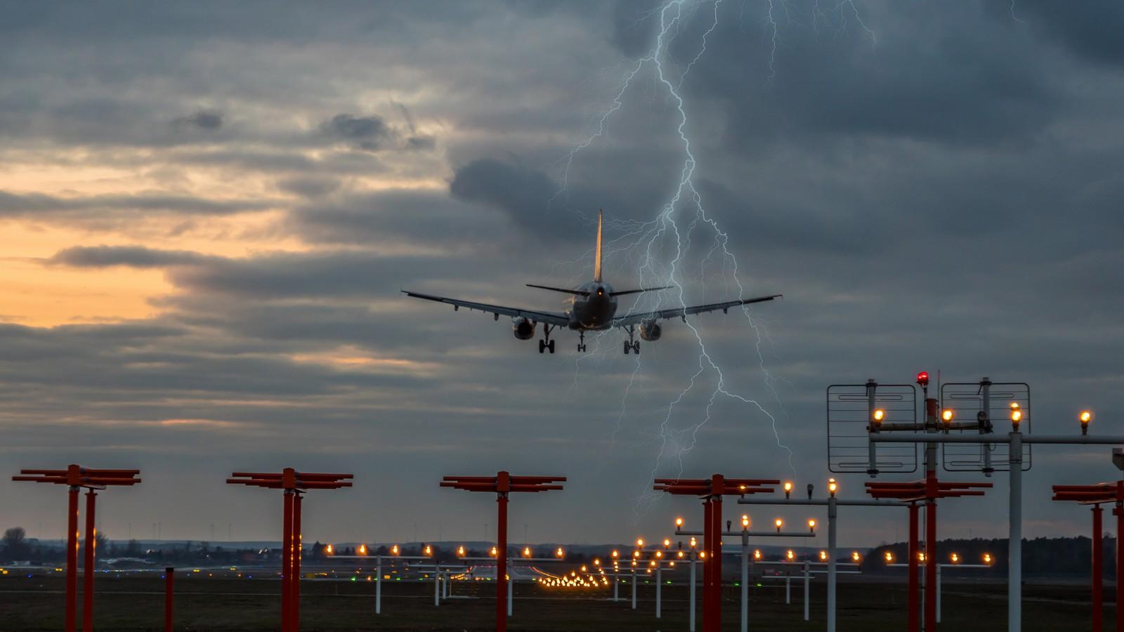 Gewitter bei Landeanflug