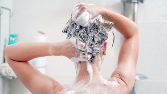 Haare waschen zugeschnitten