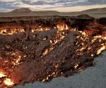 Diese Grube in der Wüste brennt seit über 40 Jahren