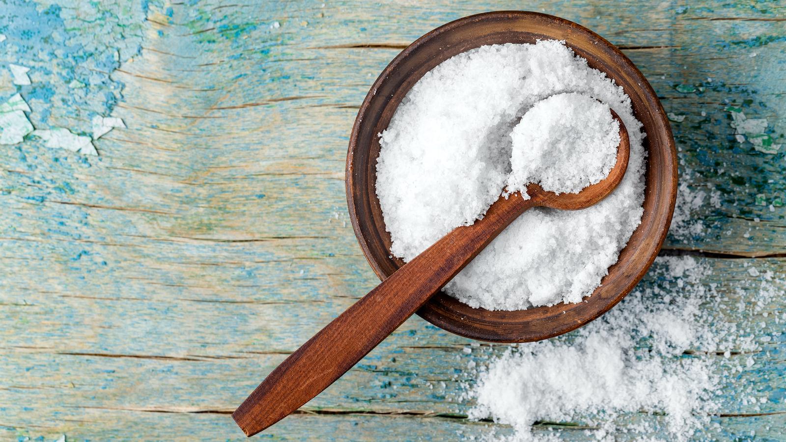 Salz in der Wohnung verteilen