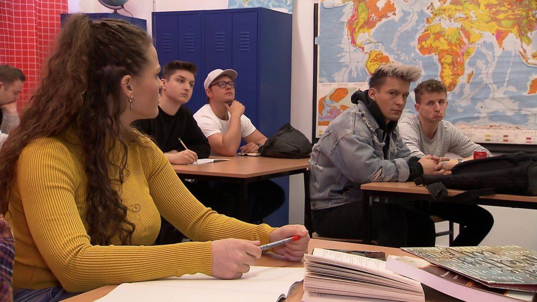 Schule nackt krass carmen Shayenne Grudziak