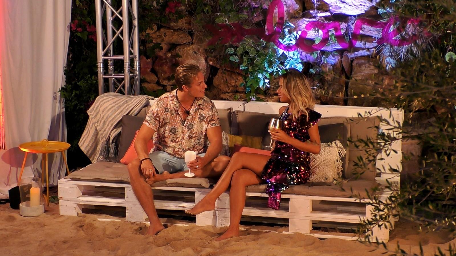 Love Island 2020: Henrik allein mit einer neuen Granate!