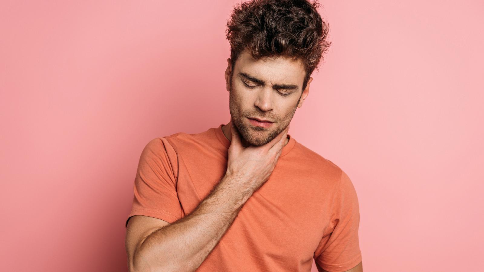 Diese Hausmittel helfen gegen Halsschmerzen