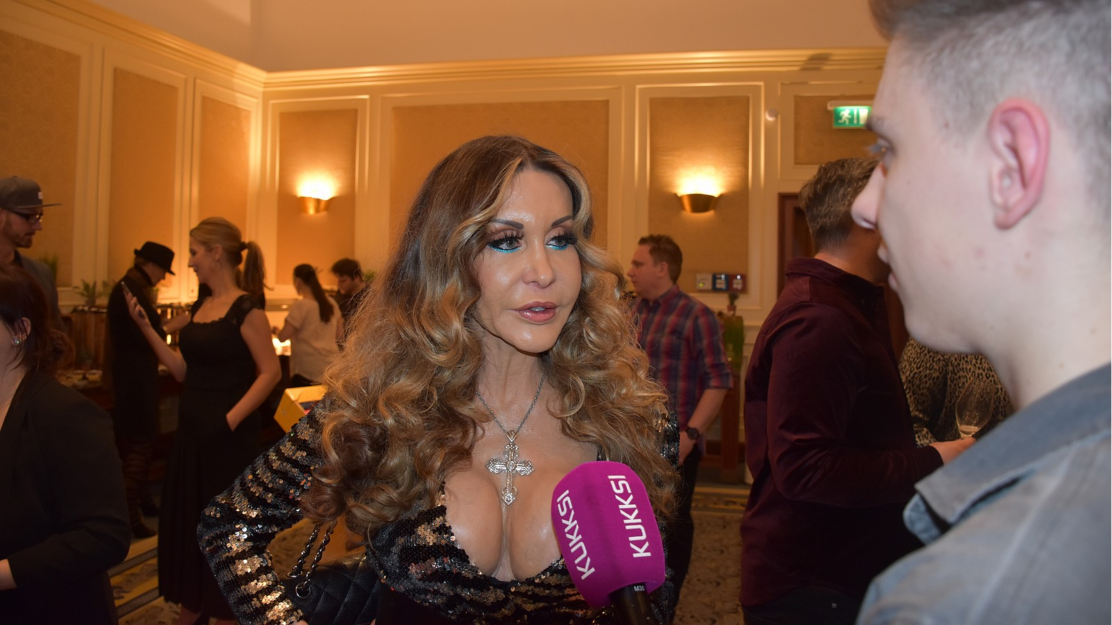 Dolly Buster im KUKKSI-Interview