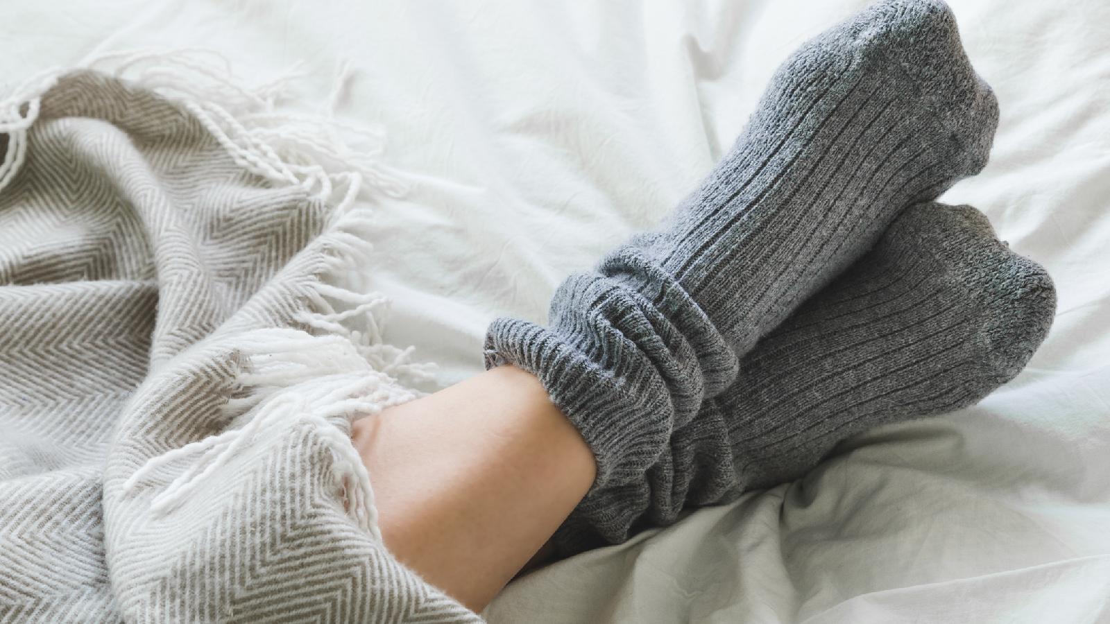 Das kannst du gegen dauerhaft kalte Füße tun