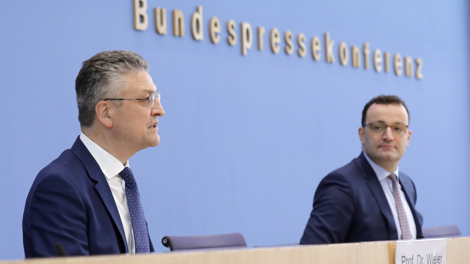 Prof. Lothar H. Wieler, Praesident Robert-Koch-Institut (RKI), Jens Spahn, Bundesminister fuer Gesundheit