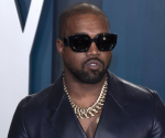 Kanye West bricht in Tränen aus, als er DIESEN Song spielt!