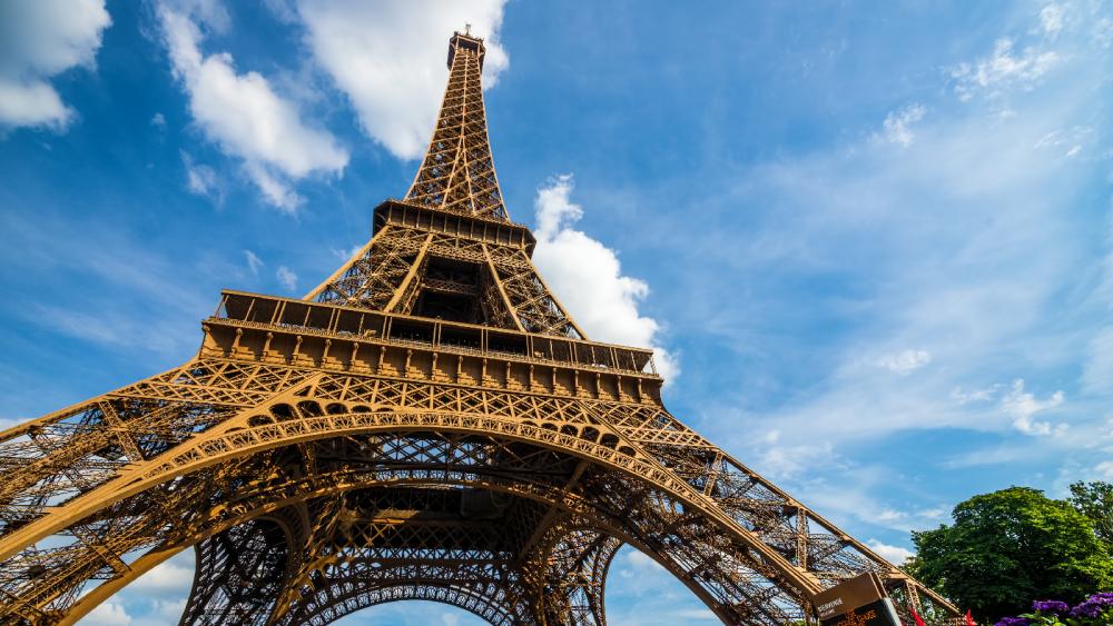 Darum wächst der Eiffelturm um 30 Zentimeter